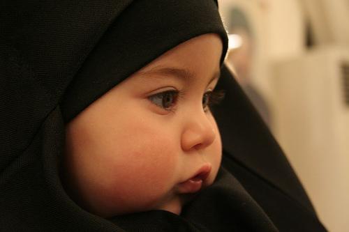Menyikapi Mode Jilbab Anak dan Nafas Islam yang Segar